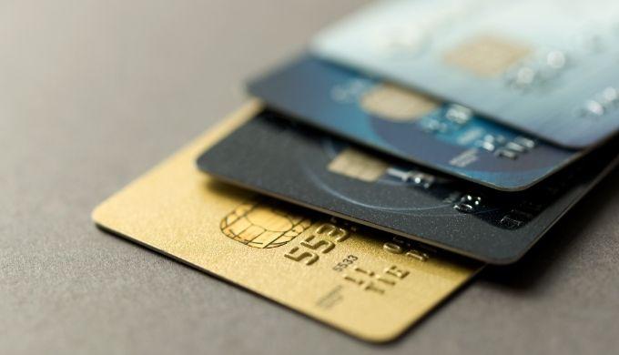 ハイローオーストラリアで入金する用のカードを分けた方がいい理由