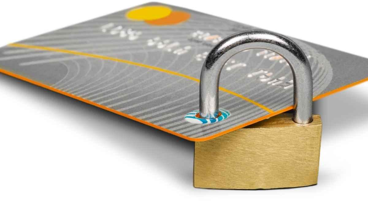 ハイローオーストラリアは使えないクレジットカードが増えてきている