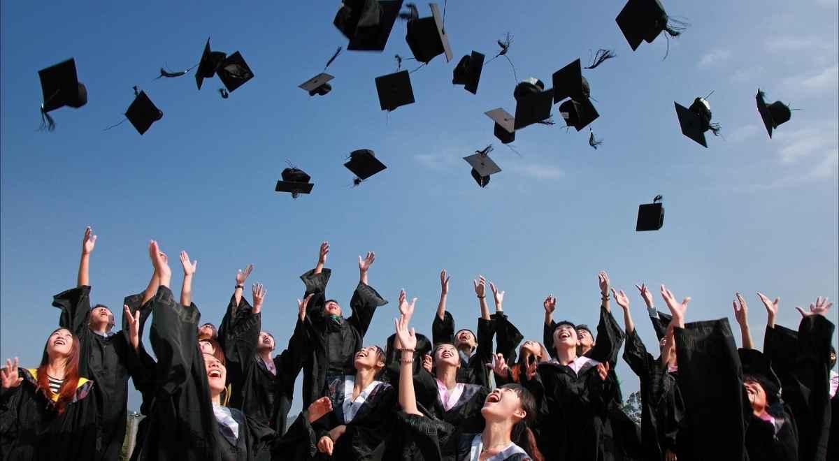 税金さえ気を付ければ大学生でもハイローオーストラリアで稼げる!